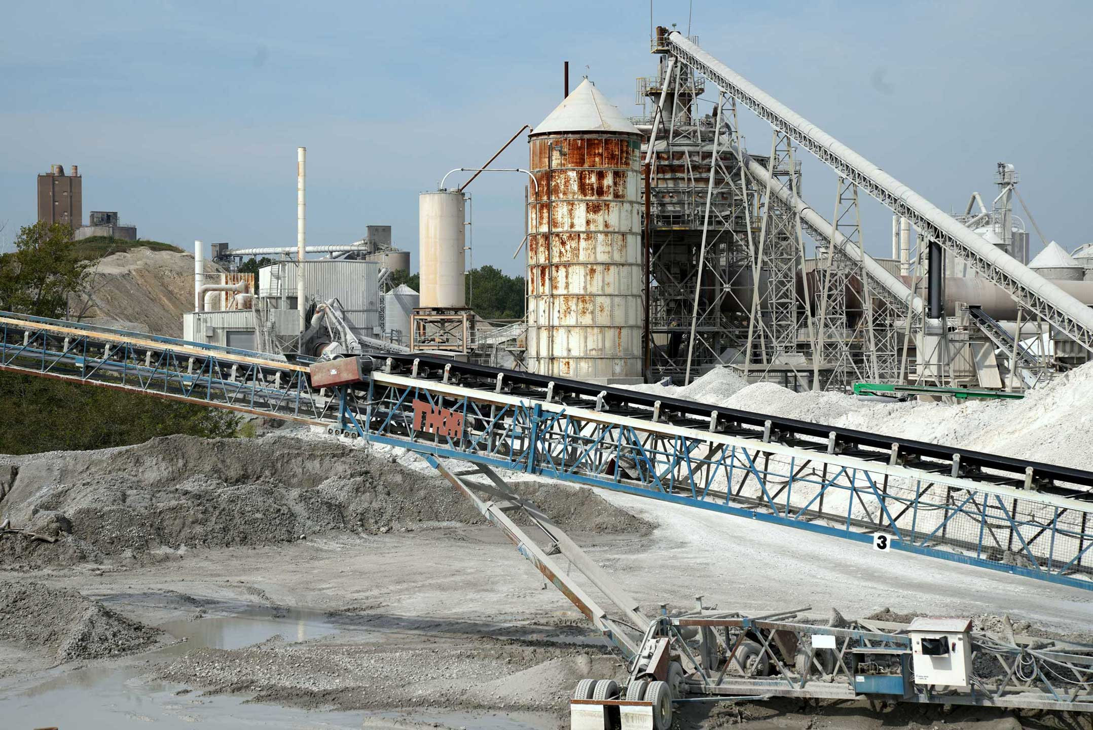 Sifter and conveyor system at Linwood Mining